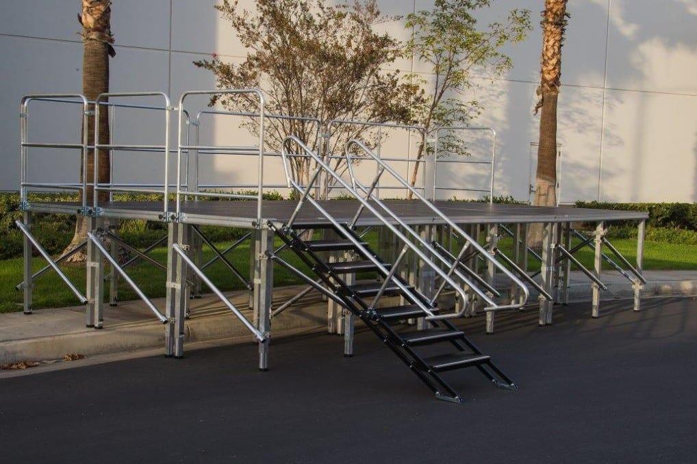 height adjustable stage